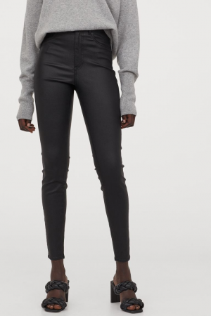 H&M – Coated jeans